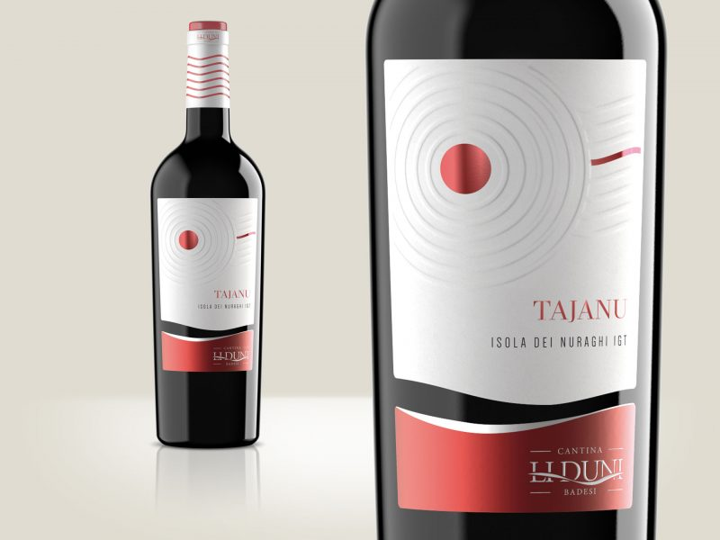 Progettazione etichetta vino Tajanu